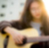 guitar-guitarist-music-2118049.jpg