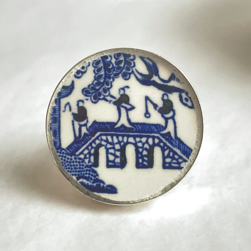 Blue-and-white vintage china ring