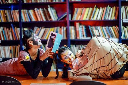 rato de biblioteca por layza vasconcelos