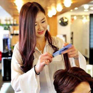 전문 미용인에 의한 성인 헤어 커트(Adult Hair Cut,  £10)