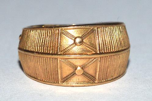 Gredzens ar zelta krustiem bronzā