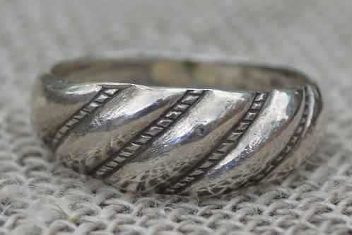 Viestura gredzens sudrabā