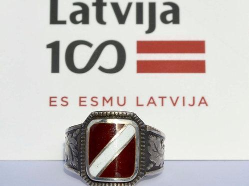 Gredzens ar Latvijas karogu sudrabā, emalja