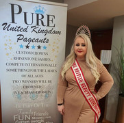 Mrs British Beauty Curve 2019/20 attends Pure UK Grand Final