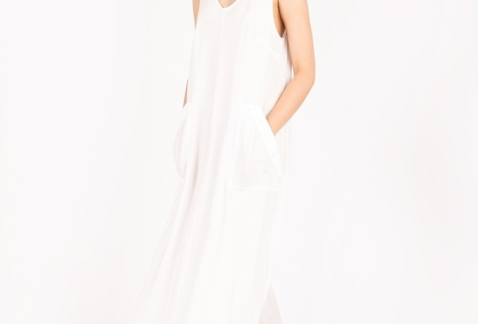 V-neck organic cotton dress with pockets