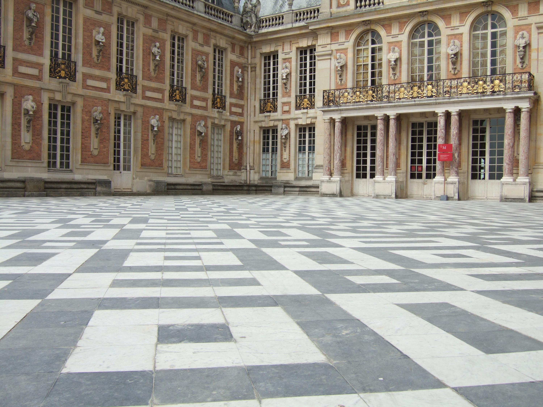 pavimento e colonne granito