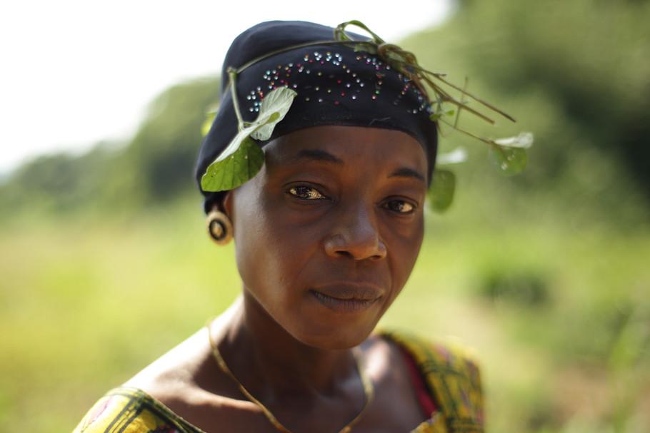 Leaf hat lady.JPG