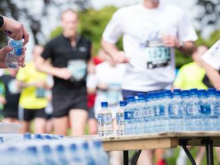 ¿Cómo se deben hidratar los corredores?
