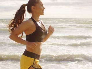 Correr en la playa: beneficios y recomendaciones