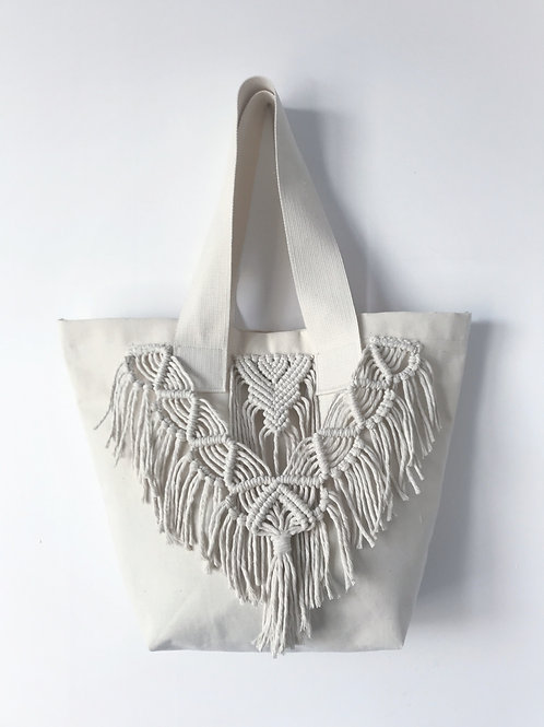 Bawełniana torba zdobiona makramą