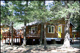 cabin_2bed_exterior.jpg