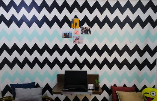 Chevron wall pattern