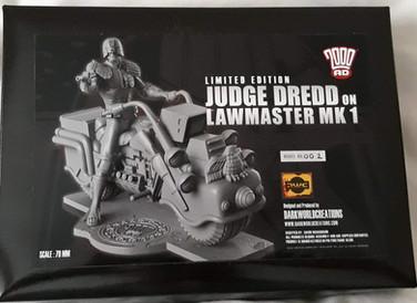 Dark World Creations: Judge Dredd on Lawmaster 70mm