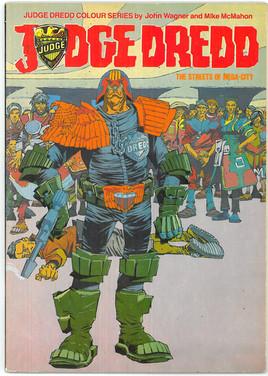 Judge Dredd Colour Series - Streets of Mega-City One