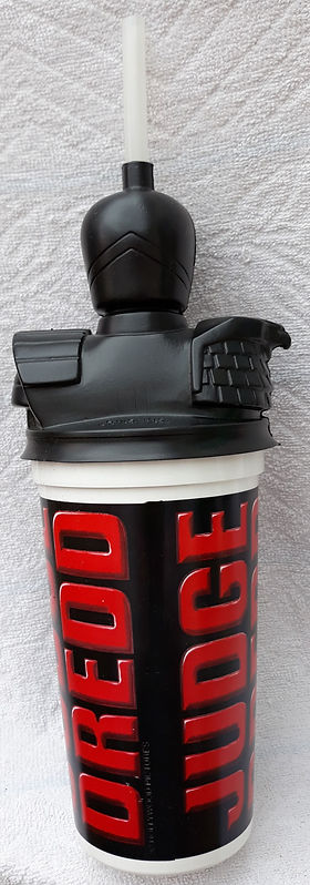 1995 judge dredd film cinema cup rear.jp