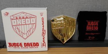 Planet Replicas: Judge Dredd Bolland Style Gold