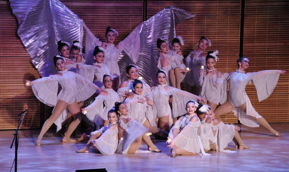 129 ItalXmas16 Child Dancers.jpg