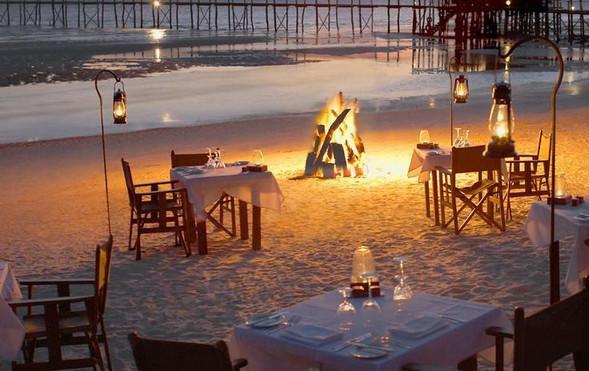 eat on beach .jpg