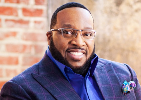 Marvin Sapp Sings 'Thank You for it All'