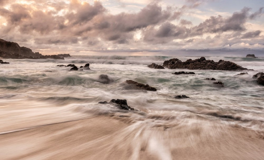 Incoming Tide at Mangersta Bay