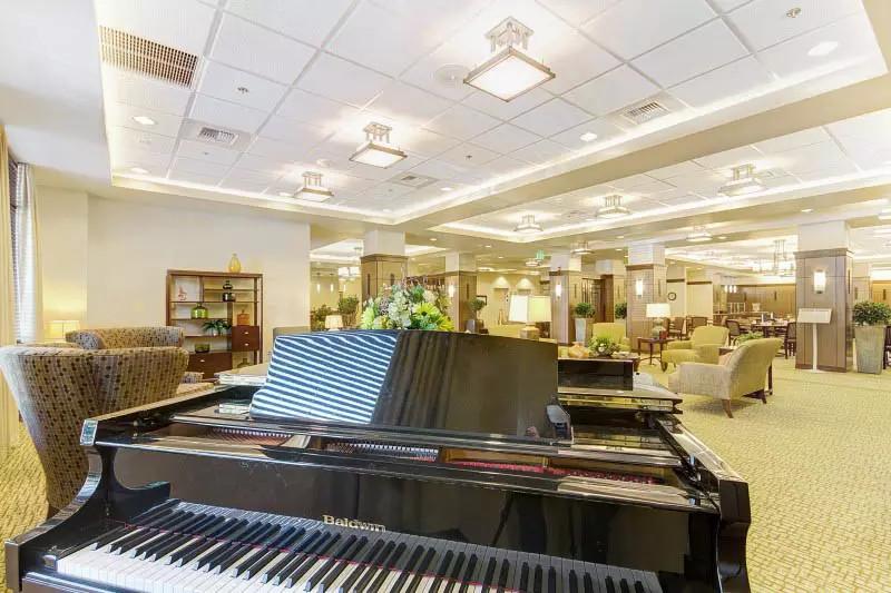 pg-lobby-with-piano.jpg