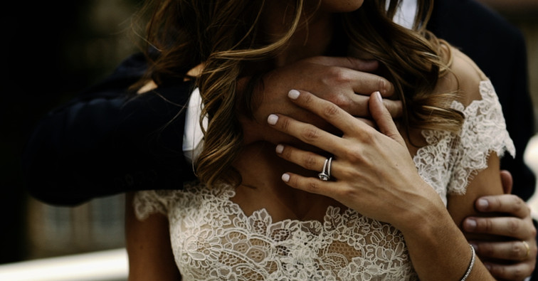 Bague de fiançailles et Alliances pavées brillants sur mesure