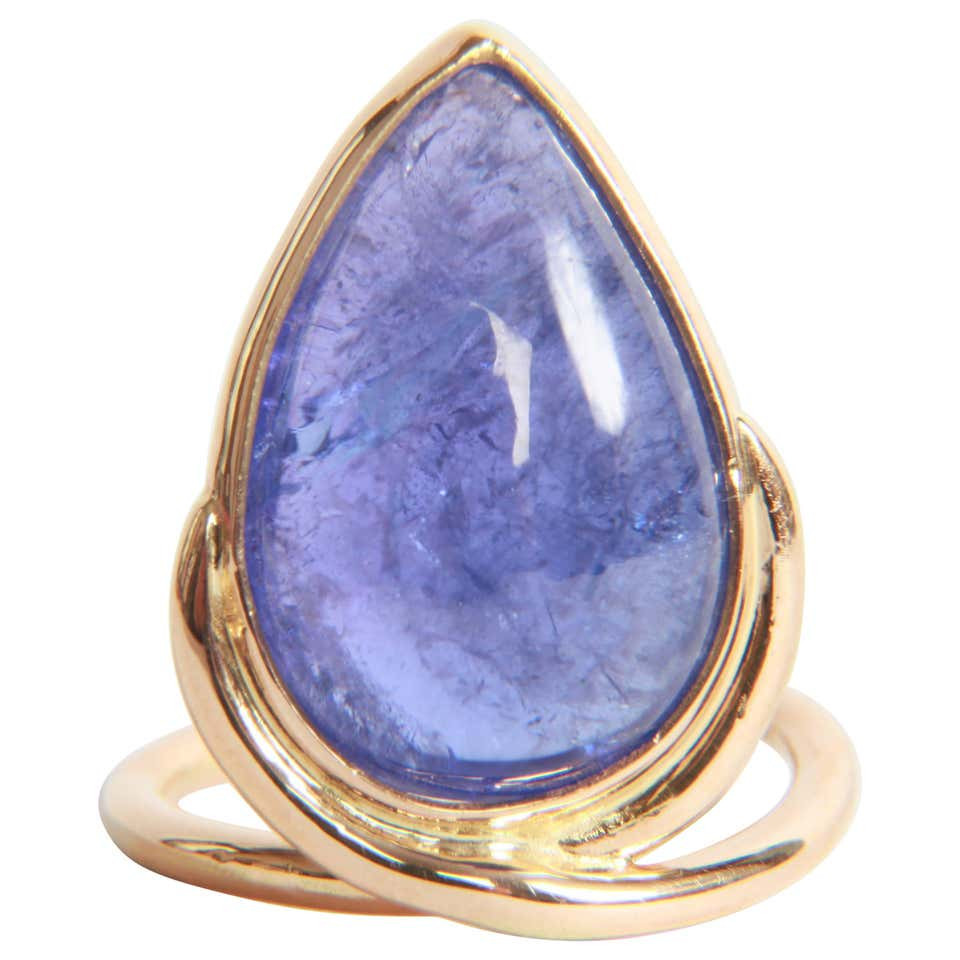 Tanzanite Cabochon Ring by Marion Jeantet