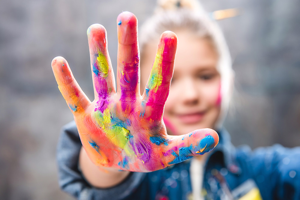 child, finger painting, Paolini Method