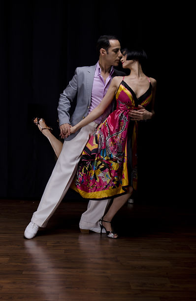 Argentine Tango | Toronto Tango Events & Tango Lesson by Bulent & Lina | Tango Classes Toronto | Tango in Toronto | Tango