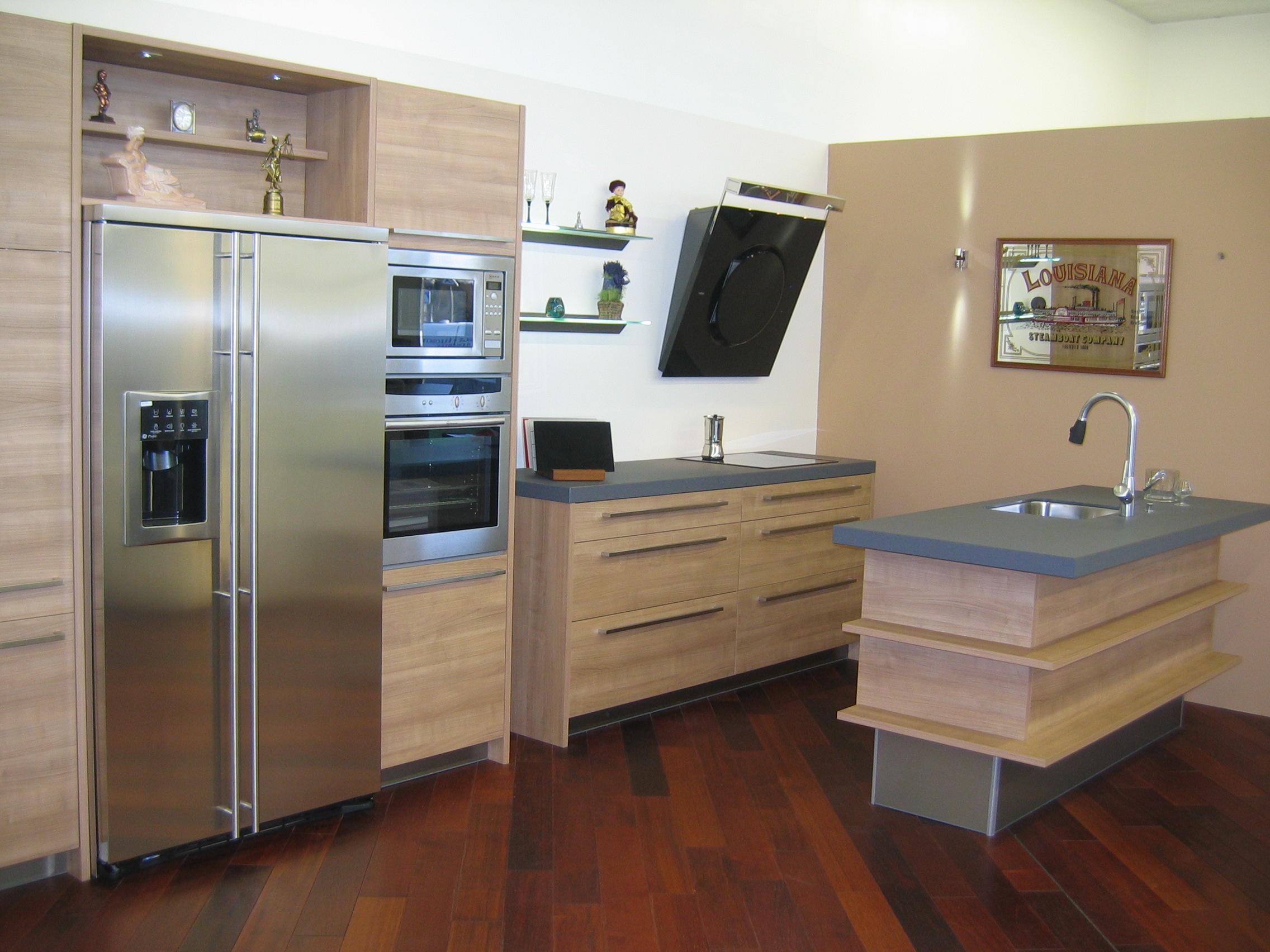 cuisines d 39 exposition en solde paris 94 expo cuisine allemande haut de gamme. Black Bedroom Furniture Sets. Home Design Ideas
