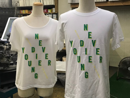 NEVER DIE YOUNG グッズ。