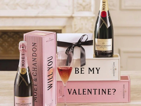 Verras jouw Valentijn met een persoonlijk geschenk van Moët & Chandon, tijdelijk bij De Bijenkorf