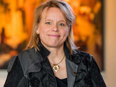 Een belletje met wijndocent, Europees Champagne Ambassadeur en vinoloog Anja Vondenhoff