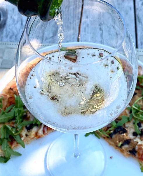 SC - champagne mousse pizza.jpg