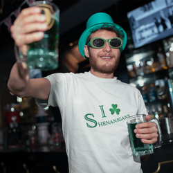 tee-mockup-of-a-man-drinking-a-beer-on-s