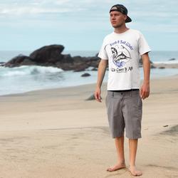 t-shirt-mockup-beach-side-male-a18792_ed