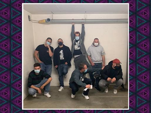 Chaostruppe im Studio für die Show 010