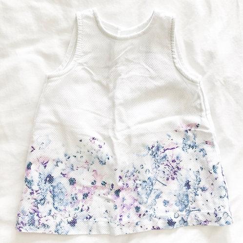 שמלה לבנה פרחונית