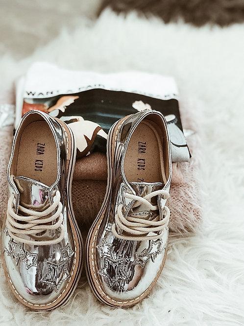נעליים כסופות