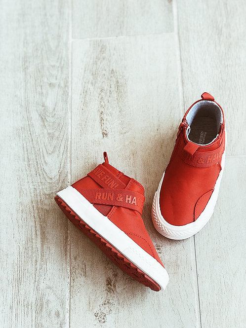 נעלי גבוהות אדומות