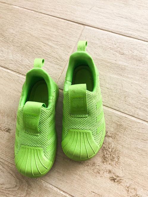 סניקרס אדידס ירוקות