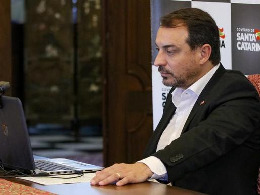 Carlos Moisés é o 1° governador a ser afastado duas vezes do cargo