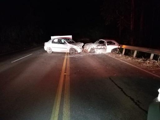Grave acidente que envolveu carro de Chapecó deixa cinco pessoas feridas na SC-157