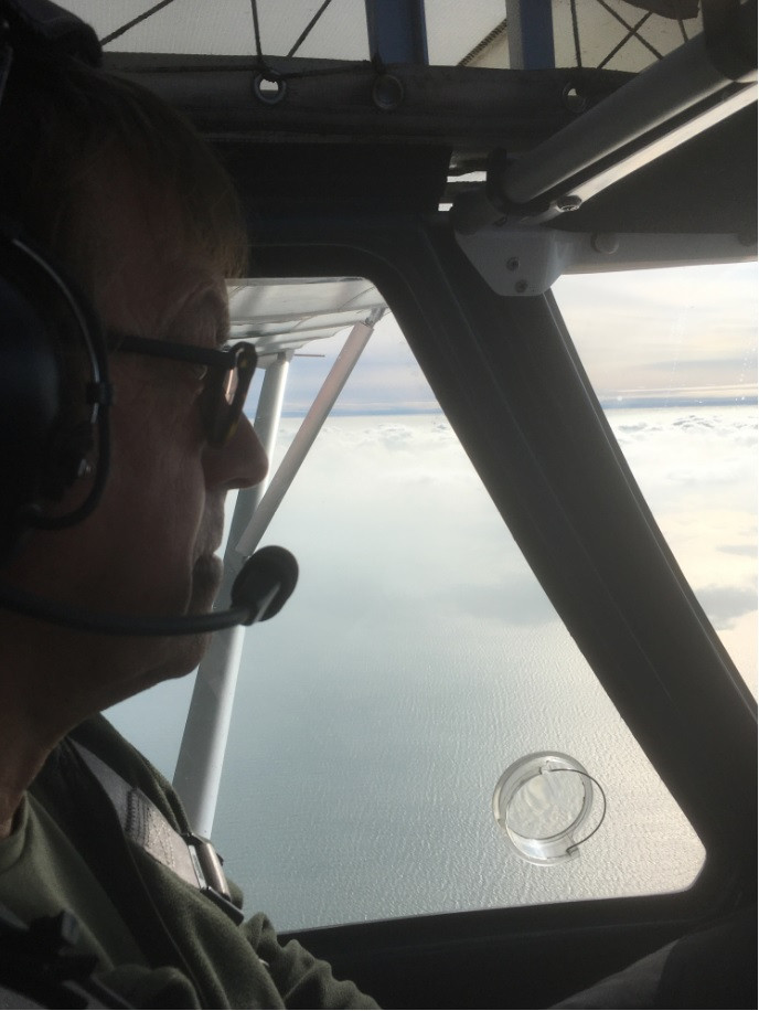 Learning to fly in the Ikarus C42