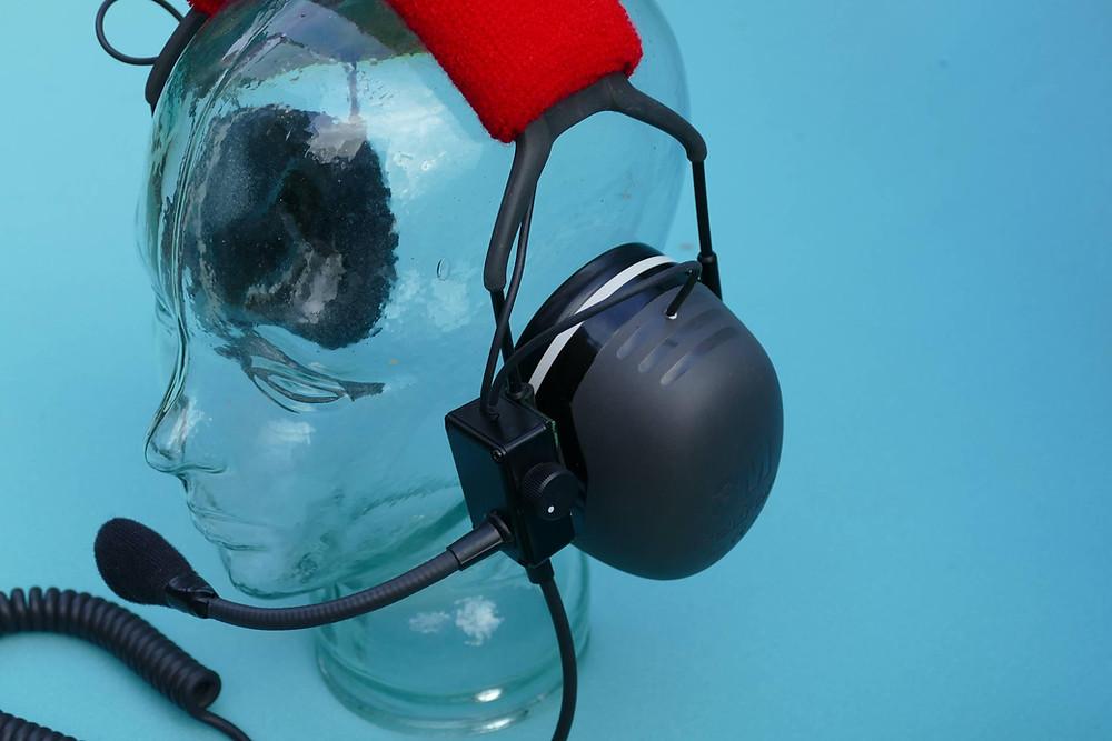Comunica XNR headset has a high quality AKG microphone