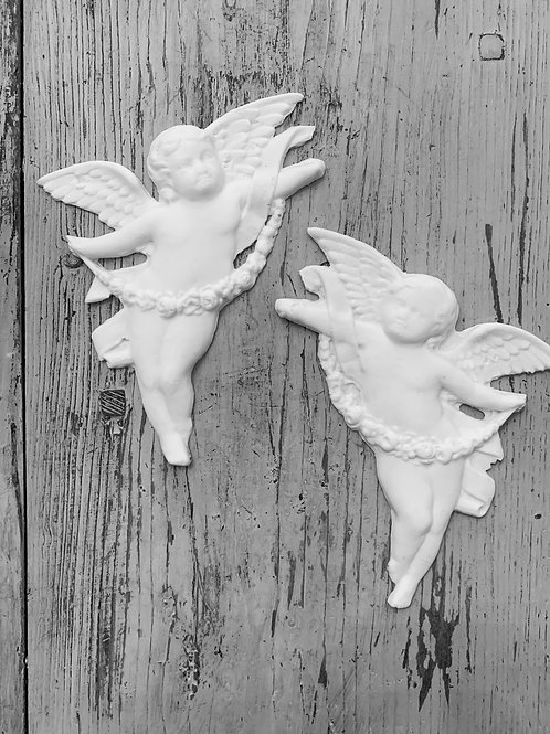 Pair of Angels with Rose Swags Applique