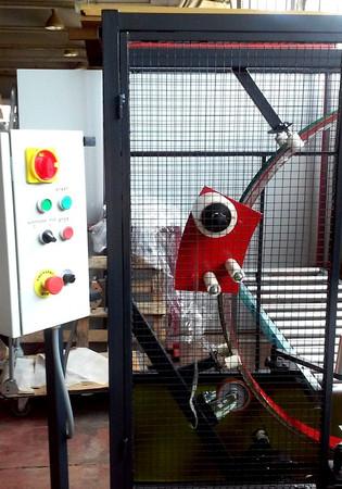 Orbital stretch wrapping machine