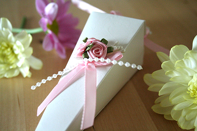 Capercaillie Cards - Wedding favour box - Cone With Rose