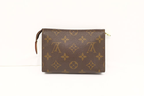 Louis Vuitton Toiletry 19 Monogram