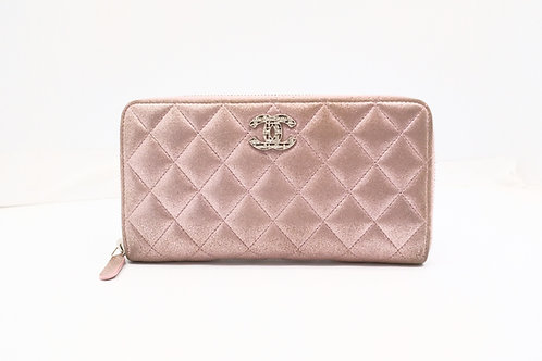 Chanel Matelasse Zipped Wallet in Blush Shimmer Quilted Canvas
